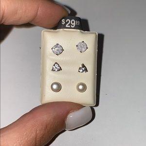 Piercing pagoda earrings